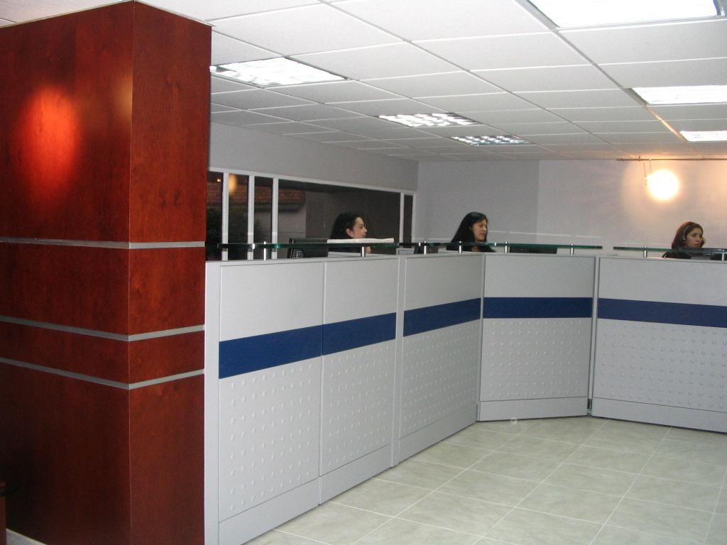 Divisiones oficina superficie mostrador atenci n al for Mostradores para oficina